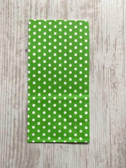 blokbodemzakje groen met witte stippen
